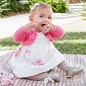 Şeker gibi bir fotoğraf bırakıyorum buraya 🌺Mutlu, sağlıklı Bayramlar 🌟Elbise www.beberoma.com'da🌟